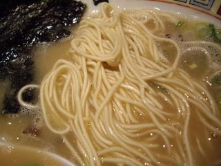 九州大牟田とんこつラーメン きらら ばりこて醤油ラーメン(麺)