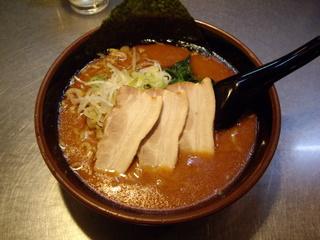 拉麺福徳 クロ[豚骨醤油]