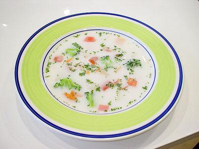 スキムミルクの野菜畑スープ (犬用)