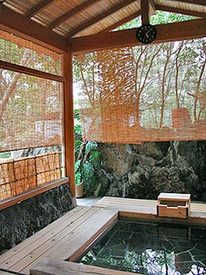 露天風呂「四季華の湯」