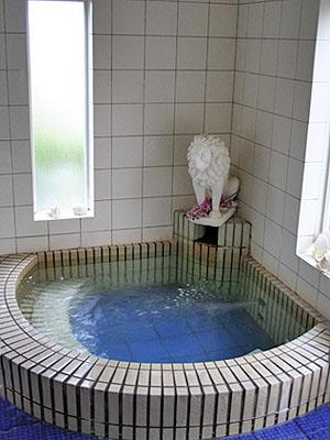 内湯「藍のお風呂」