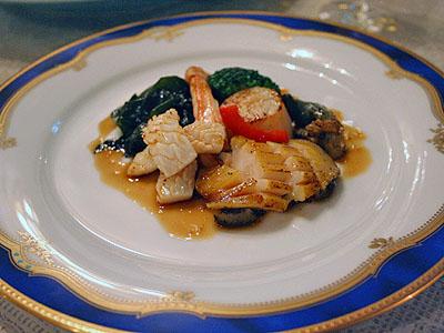 酢の物 「海鮮ソテー、アワビ、紅ずわい蟹、帆立貝柱、北海蛸、若菜、パプリカ」