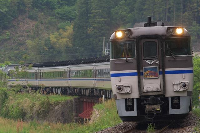 090506-JR-W-DC181-hamakaze-bantan-7car-2.jpg