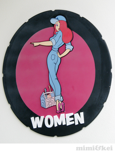 women1.jpg