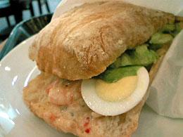 スタバ:シュリンプサラダ&エッグサンドイッチ