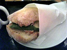 スタバ:チキンシーザー&アスパラサンドイッチ