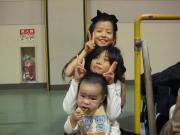 子どもは子どもが好き。すぐ友たちになります。