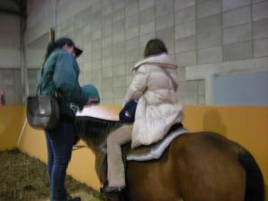 馬に乗るmisa