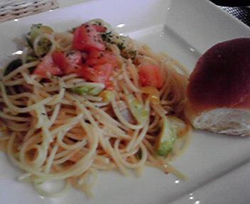 アサリと芽キャベツのアーリオオーリオ