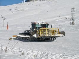 アルプデジューの圧雪車