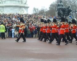 バッキンガム宮殿の衛兵交代