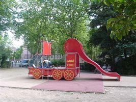 クワルースの公園の滑り台