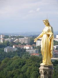 フルビエール教会のマリア像