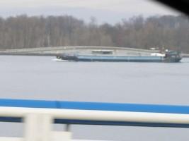 ライン川の貨物船