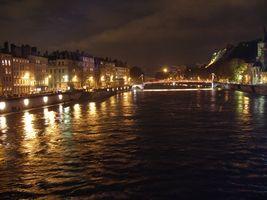 ソーヌ川のライトアップ