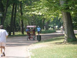テットドール公園 自転車、ローラーブレード、ジョギング
