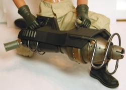 gunB0218c.jpg