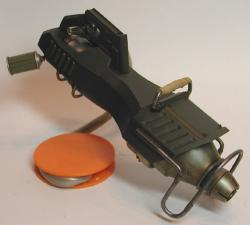 gunB0218e.jpg