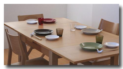 お皿を並べてみる