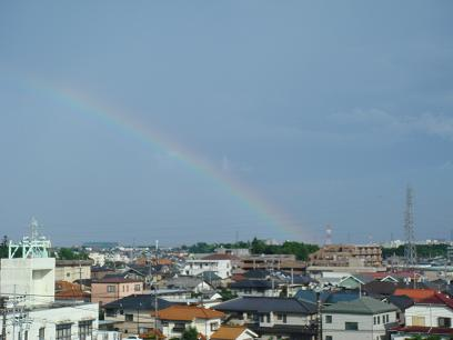 雷雨の後の虹