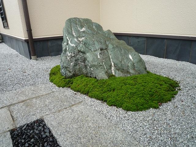 景石と大杉苔(1)拡大