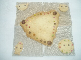 聖やクッキー