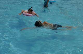 プール泳ぎ縮小