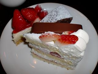ケーキ皿320