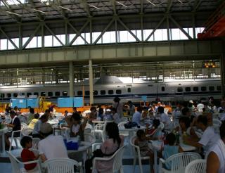 新幹線整備工場