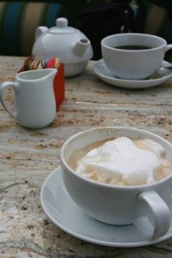 コーヒーとカプチーノ