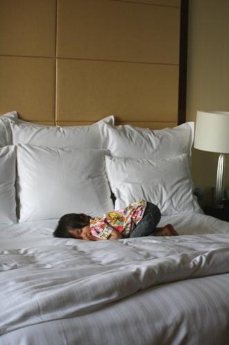 モゾコの寝相1