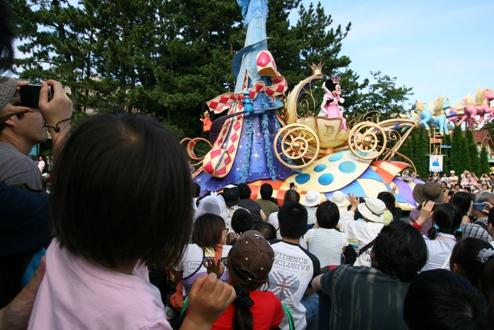 パレードのミニーちゃん