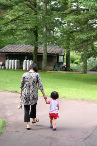 おばあちゃんと散歩1
