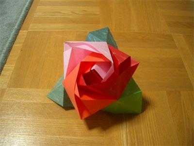 magicrosecube152.jpg