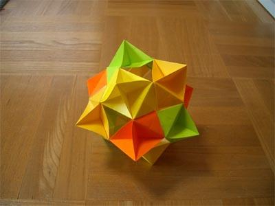 piramid_yunit12maikumi.jpg