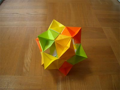piramid_yunit12maikumi1.jpg