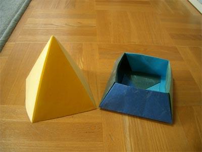 piramidbox151.jpg
