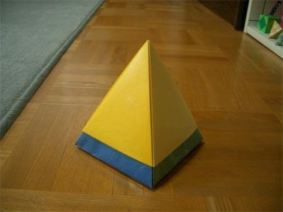piramidbox152.jpg