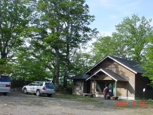 山犬段の小屋