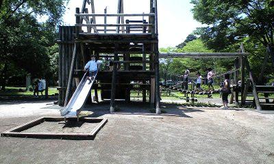 080601日高公園遊具実織