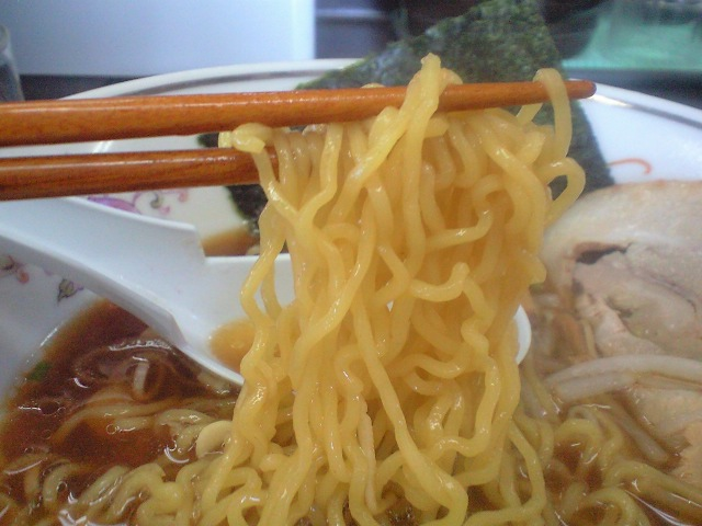 ハルピン 醤油の麺