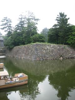 松江城天守閣と遊覧船乗り場