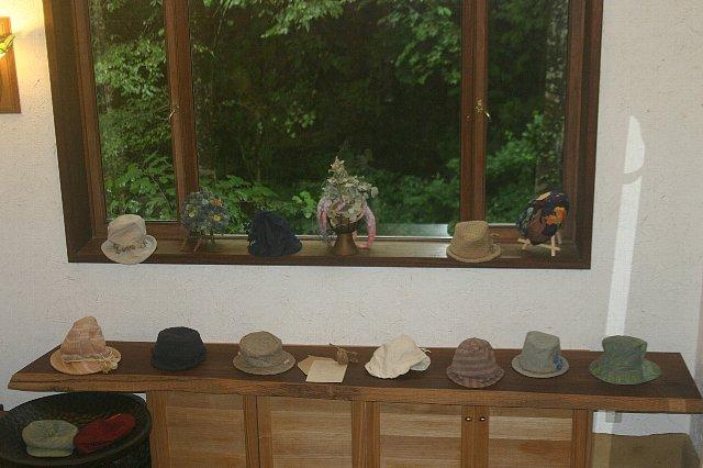 麻希 帽子展 005