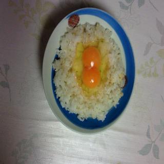 二黄卵かけ