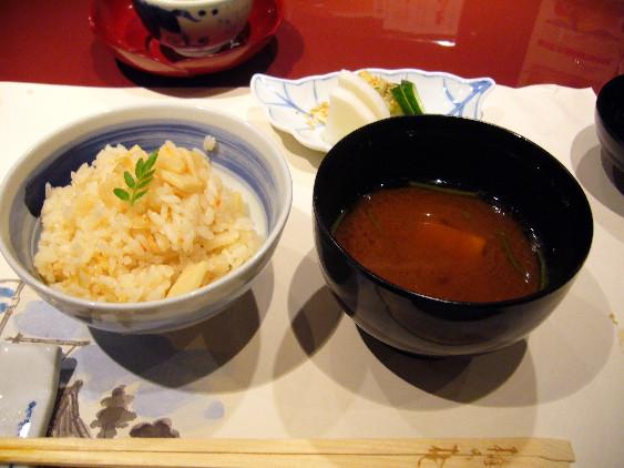 梅の花(筍としらすの炊き込みご飯)