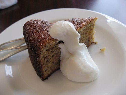 ORVIETO(へーゼルナッツのケーキ)