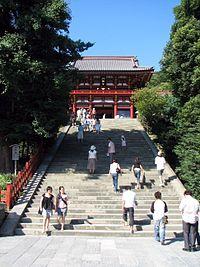 200px-Tsurugaoka_Hachiman_Shrine_View.jpg