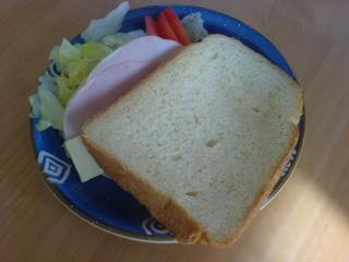 焼きたてパン2