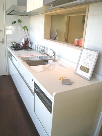 ウッドワン キッチン ホワイト1