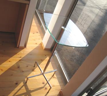 1階ガラステーブル